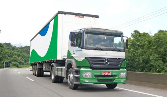 Caminhões foram personalizados com a nova marca