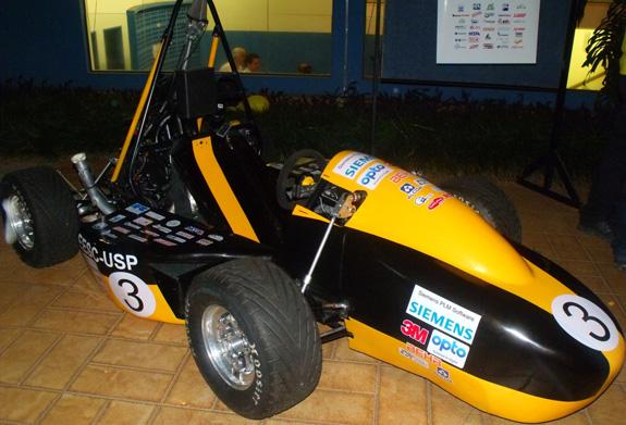 Carro concebido no Solid Edge pela equipe SAE da USP São Carlos