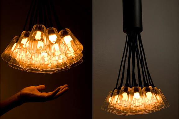 Luminária de Copos Americanos criada por Flávio Lima, da Ekoara