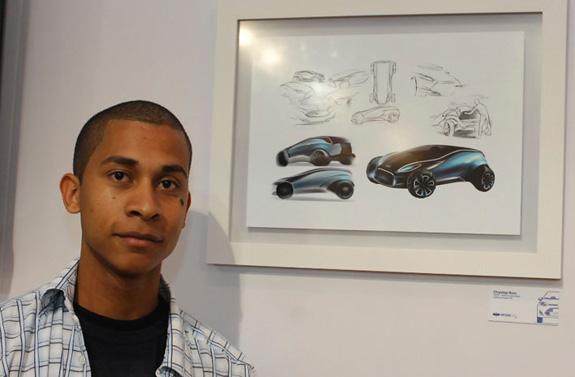 Chrystian Roos, d estuda na PUC-RS, e conta que para criar seu Fiesta 2010 procurou se inspirar na identidade da Ford e do Fiesta