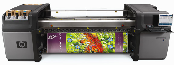 Impressora HP Scitex LX600, que imprime com a tinta látex à base de água