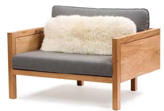 poltrona São Conrado, de Cláudia M. Sales, se caracteriza pelo conforto e leveza visual