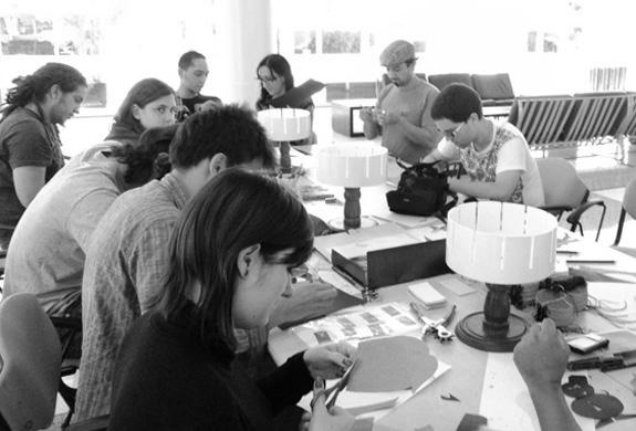 Alunos do Senac trabalham em oficina durante o lançamento de cursos de animação