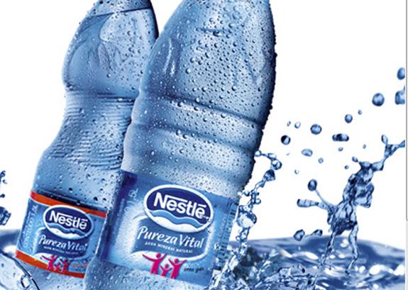 A Nestlé deve acreditar que o consumidor vai tomar mais água embalada