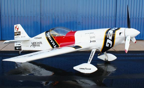 CEA 309 Meharia, avião acrobático ilimitado, também foi construído pelos professores e alunos da UFMG