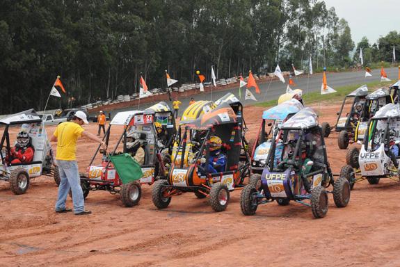 Foto da competição de 2010 mostra o clima da competição que acontecerá em Piracicaba