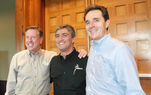 Da esq. p/ dir.: Jef Ray, que vai para a Dassault, Oscar Siqueira, country manager do Brasil e Bertran Sicot, novo CEO da SolidWorks