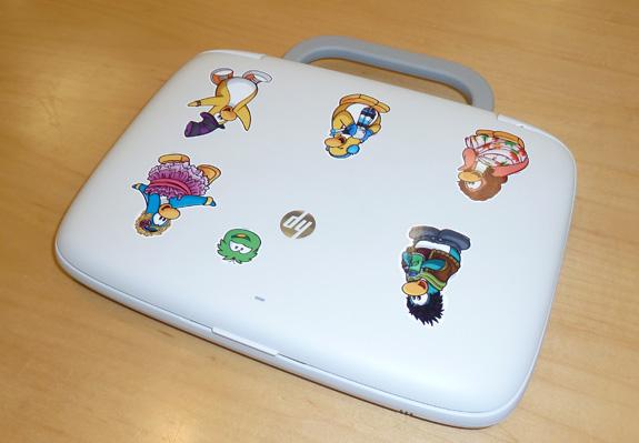 Usuários do HP mini recebem figuras do Club do Penguin para personalizar o seu Mini