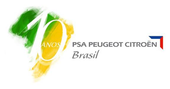 O logotipo comemorativo dos 10 anos de produção no Brasil foi criado pelo designer Rogério Okabe