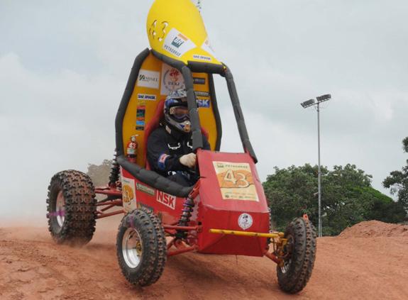 Carro da equipe da Universidade Federal do Rio de Janeiro que competiu da SAE Baja de 2010