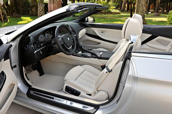 O aumento da largura interna pode ser notado nos quatro assentos com mais espaço para as pernas