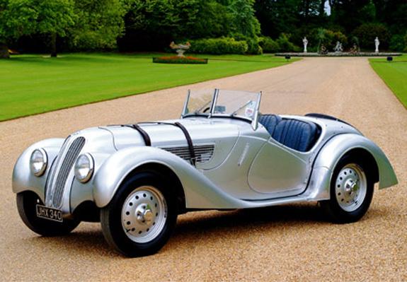 O lendário BMW 328, que forneceu as bases para o carro vencedor da prova Mille Miglia em 1940