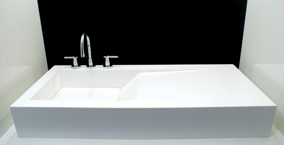 Corrieri, em parceria com a DuPont Corian, apresenta lavatórios, cubas e bancadas