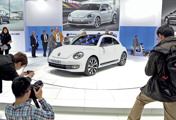 O novo Beetle preserva todas as características do modelo original, incluindo os faróis arredondados