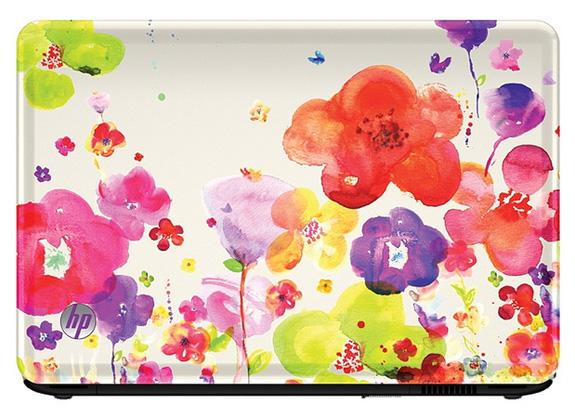 Com elegante acabamento HP Imprint, o notebook traz cores vibrantes e design floral