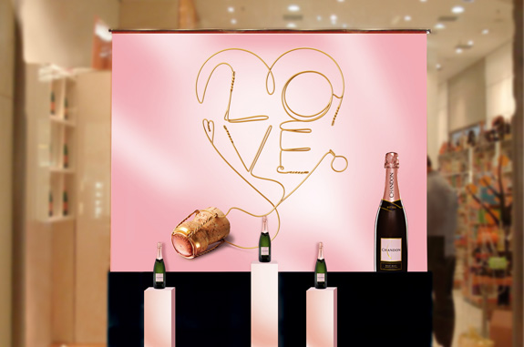 O material de ponto de venda está presentes nas vitrines de bebidas premium e parceiros da Moët