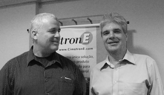 Da esq. p/dir.: Uri Shakked, engenheiro de aplicações, e Alenxandre Censi, country manager