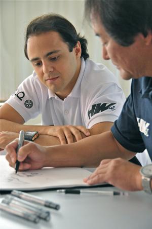 Massa teve orientação do designer, Alton Takeyasu