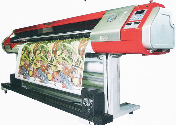 PrismaJet GE 1802 DSII utiliza tinta UV/solvente ou tinta para sublimação