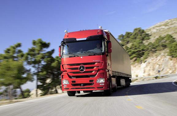Caminhão fabricado pela Mercedes-Benz do Brasil que virou referência em prototipagem rápida
