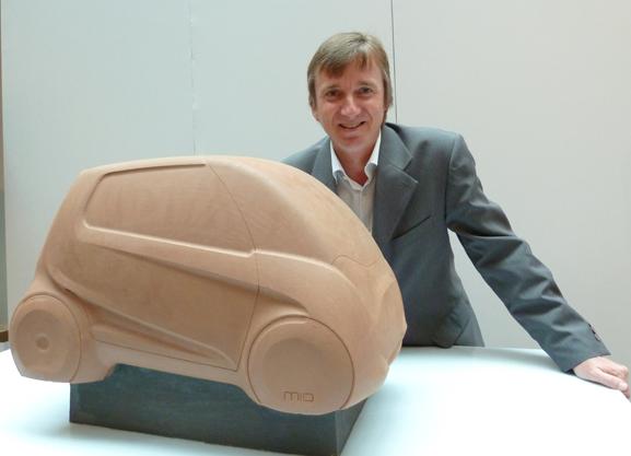 Peter Fassbender, da Fiat, que falou dos carros conceito Fiat Mio (acima) e o Fiat Uno Cabrio