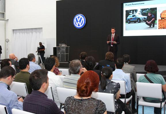 Thomas Schmall apresenta novo Design Center aos jornalistas, apostando em produtos ainda mais avançados