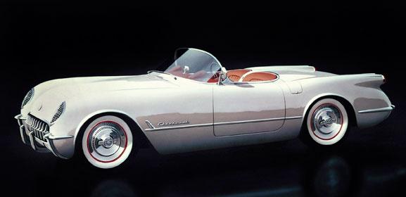 Chevrolet Corvett lançado em 1953 (acima) comemorou, em 1992, 1 milhão de unidades produzidas