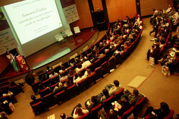 Seminário abordou as últimas tedências na relação entre fornecedor e consumidor