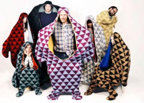 Cobertor que funciona como roupa é mais uma invenção dos designers dos países nórdicos