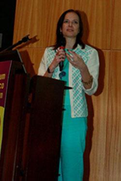 Ana Carla Fonseca, da Garimpo de Soluções, falou sobre Economia criativa para um mundo em transformação