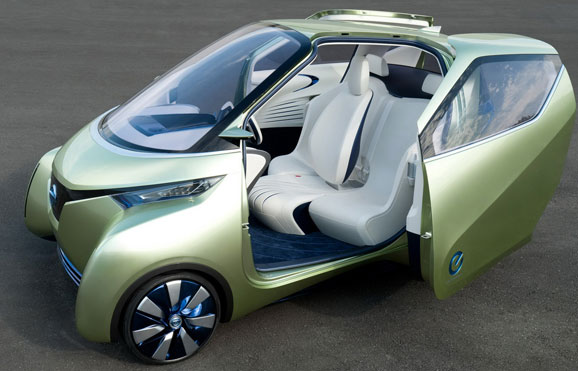 """Nissan Pivo permite manobra em """"U"""" em via com apenas quatro metros de largura"""