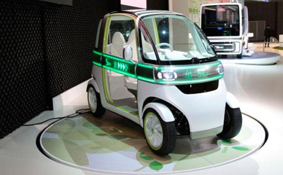 Modelo urbano, Pico, da Daihatsu, pesa apenas 400 kg e comporta duas pessoas uma à frente da outra