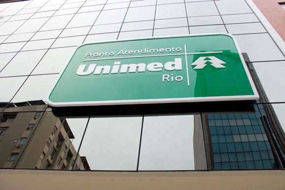 Sinalização do PA Unimed-Rio de Copacabana é terceiro projeto da B+G para a Unimed-Rio
