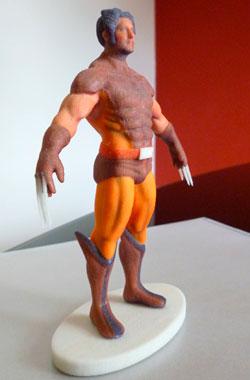 Protótipo de boneco produzido pela Fábrica de Imagem sai por R$ 270,00