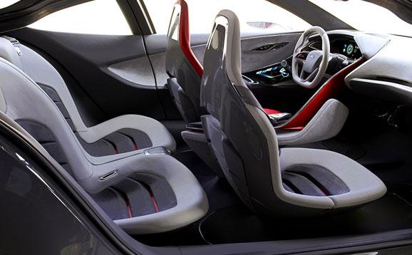 O Evos Concept integra o assento ao condutor por meio de uma avançada interface e também traz conforto passageiros traseiros obtêm
