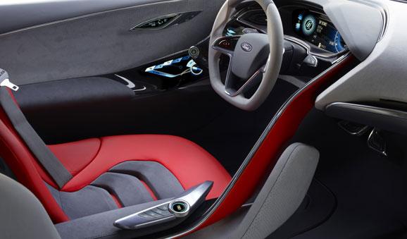 """""""Seja no design interno ou externo o Ford Evos Concept comunica claramente que esse é um carro para o condutor"""