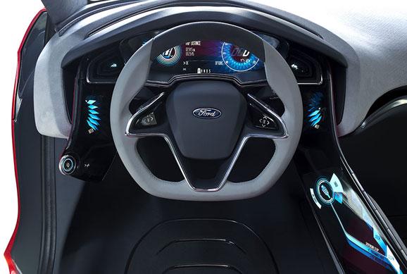 A experiência tecnológica do Concept envolve uma nova geração de alertas e interação com o condutor