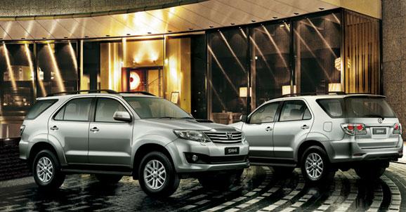 O SW4 2012 está disponível tem acabamento SRV e vem equipado com câmbio automático e motor a diesel