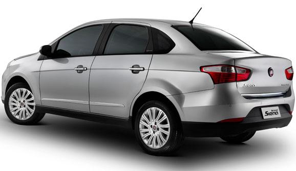 A suspensão traseira, derivada do Fiat Punto, deixa carro mais estável e seguro