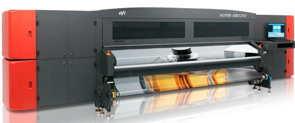 Vutek GS3250r UV, aprsentada pela EFI, permite a impressão em substratos de até 3,2 m