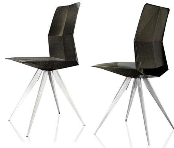 Ultra Chair R18 inspirada no carro de corrida R18 Ultra foi testada por 1500 pessoas e pesa 2,5 kg