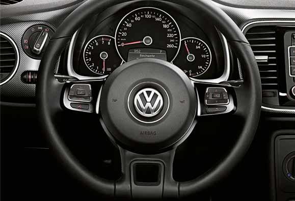 O volante multifuncional com shift paddles é mais uma novidade para facilitar a vida dos usuários