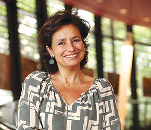 Gisela_Schulzinger_presidente_Abre2
