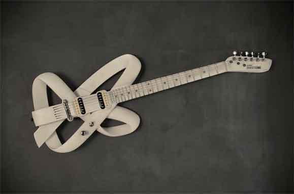 Guitarra Strip criada pela Questto Nó poderá ser personalizada e impressa em 3D