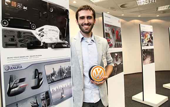 Arthur Menezes, estudante da FAU USP conquistou a terceira posição com o Projeto V-Board.