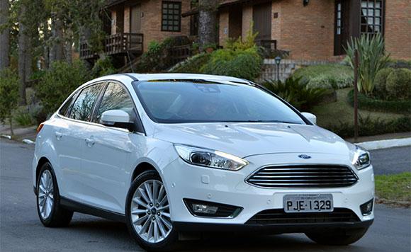 A grade poligonal que integra o atual estilo da Ford é um dos itens que torna o visual dianteiro marcante