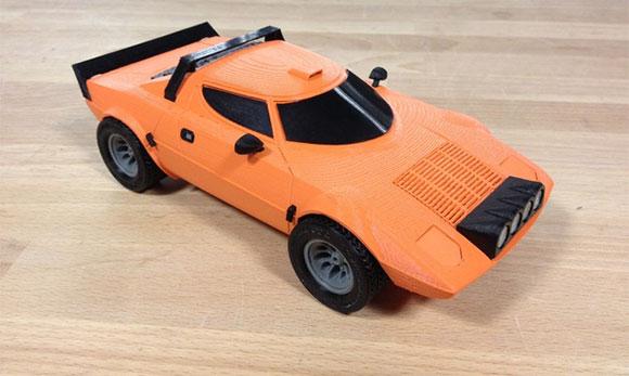 Mini modelo do Lancia Stratos gerada na impressora 3D Makerbot
