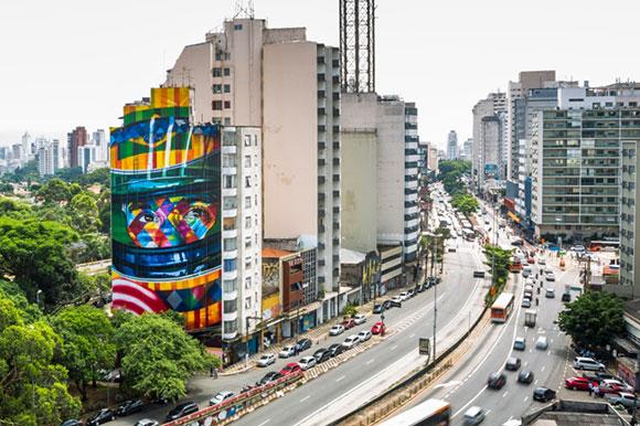 Mural criado por Eduardo Kobra fica em um dos pontos mais conhecidos da cidade de São Paulo